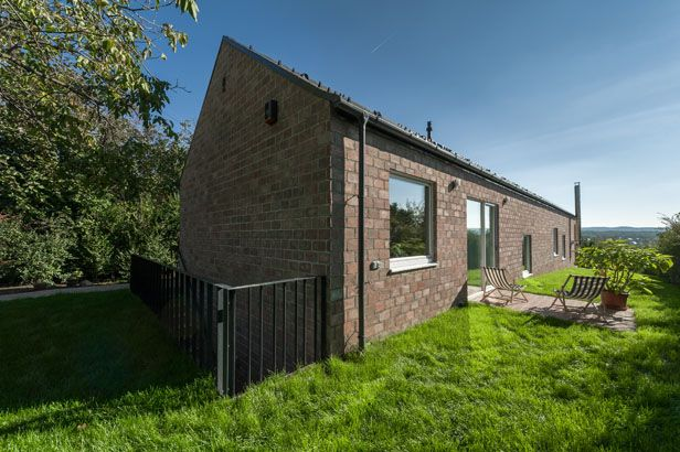 The Long Brick House|Földes Architects  #architecture #brick #hungary #residential #familyhouse #interior #small