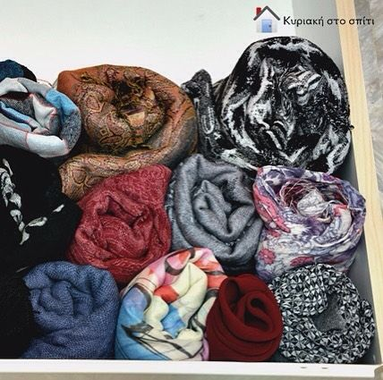 How to organize your scarves in a drawer! Read all the details today on the blog! Link in the bio.  #scarves #organizedhome #foldingclothes #womansaccessories #myhome #blogger #sundayathome #κυριακη_στο_σπιτι