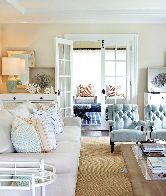 Living Room With Coastal Colors. Living Room With Pale Coastal Colors.