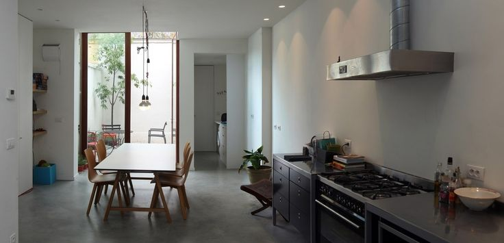 25 populairste idee n over smal huis op pinterest smalle huis plannen moderne architectuur - Geloof beton cire ...