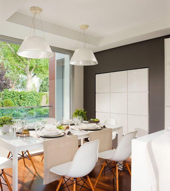 Jurnal de design interior - Bucătărie modernă amenajată în alb
