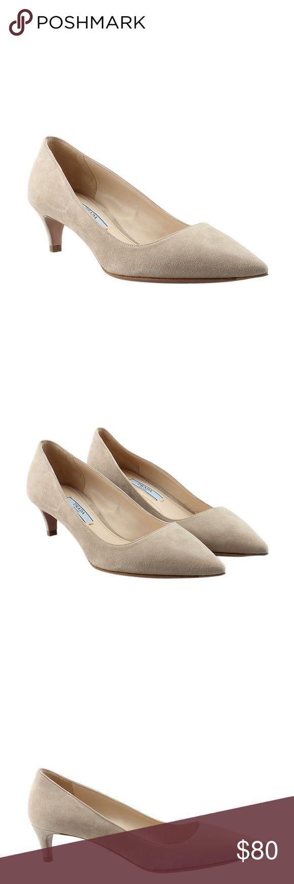 Tendance salopette 2017  Prada Beige Suede Kitten Heels Size 4 135784 Designer: Prada Overall Condi