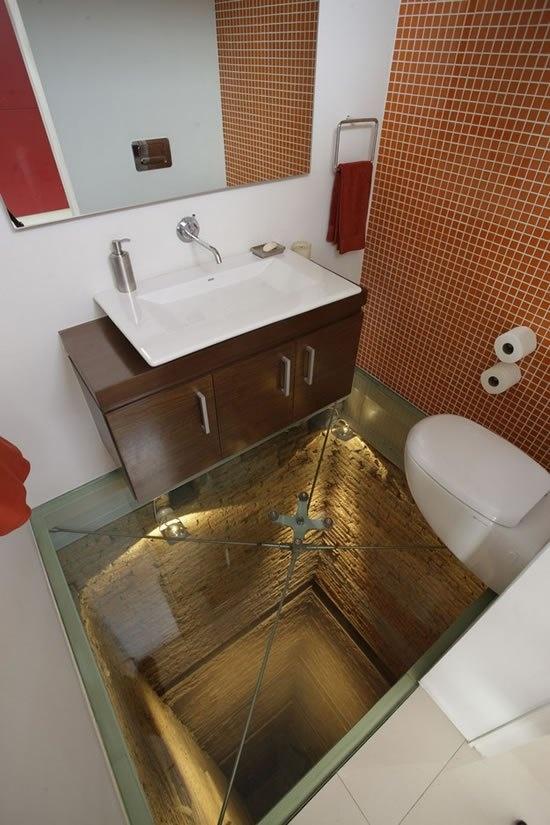 Luxury Bacheloru0027s Pad, Glass Floor Bathroom   How Cool Is That!