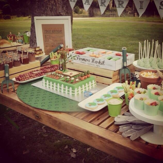 Garden/backyard themed party and sweets table