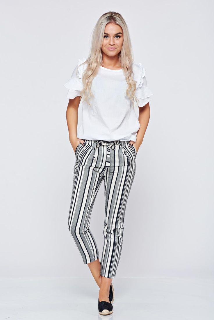 Comanda online, Pantaloni conici cu dungi verticale negri cu buzunare. Articole masurate, calitate garantata!