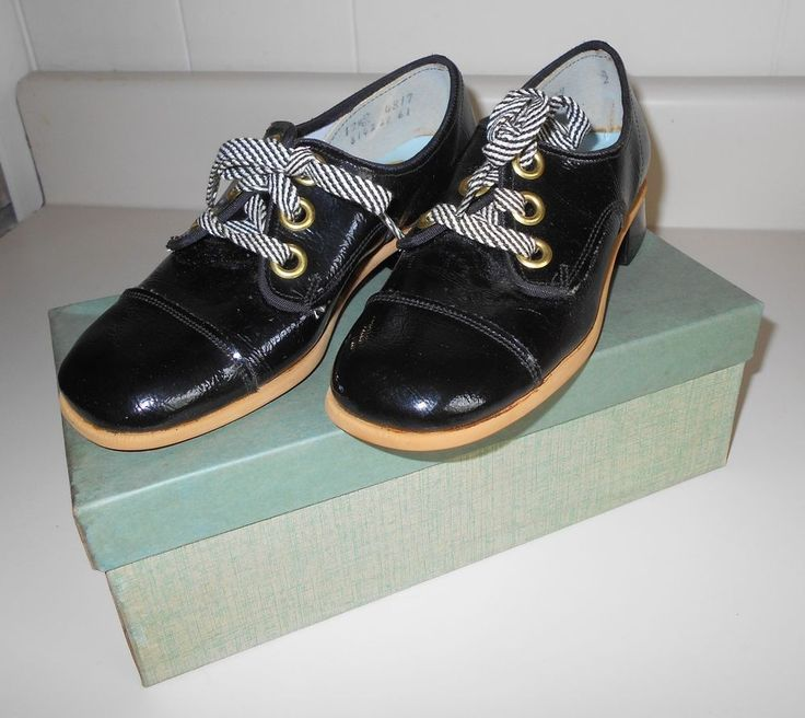 Vtg '60s Girls Active Age BLACK PATENT LACE-UP OXFORD SHOES Size 12 1
