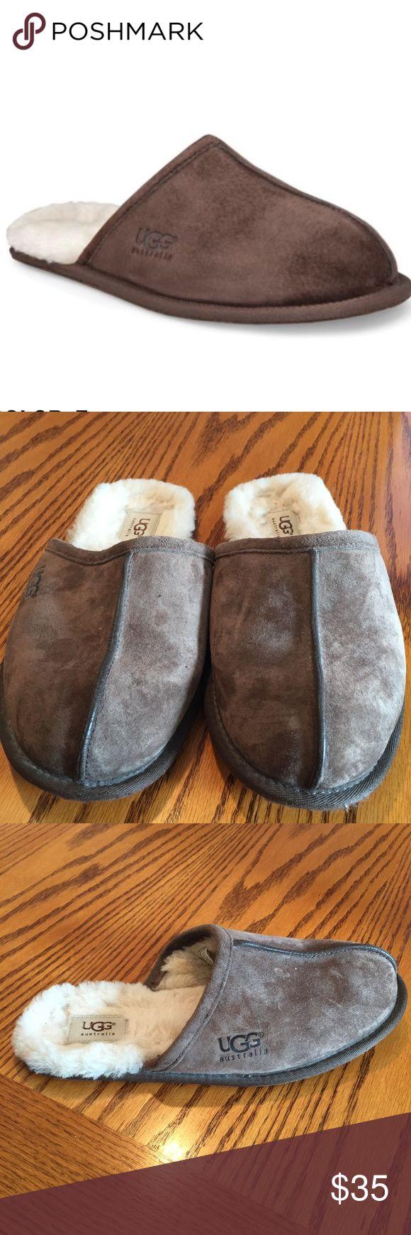 Ugg men's scuff slip on slippers Size 9 Ugg men's scuff slip on slippers in espresso. Size 9 UGG Shoes Loafers & Slip-Ons