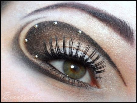 steampunk extravagance http://www.makeupbee.com/look.php?look_id=78137