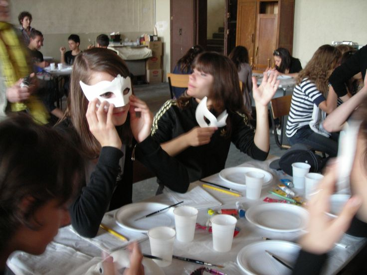 Students attending our mask making workshop.  Info: marega.it