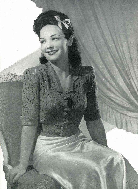 Pin-up Queen Bedjacket 'Celia', c.1940s - vintage knitting pattern PDF (416)