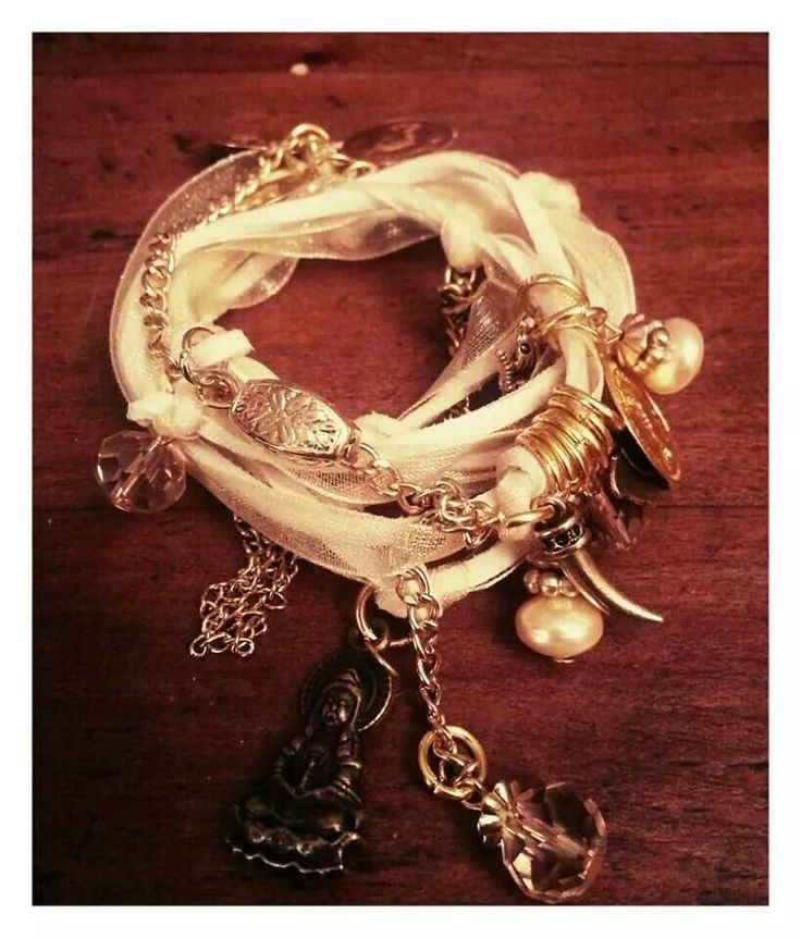 Pulsera hand made with love by peace and love accessories