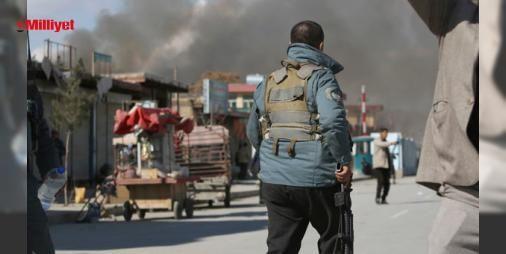 Son dakika... Afganistan'da patlama ve silah sesleri, ABD büyükelçiliği kapatıldı: Afganistan'ın başkenti Kabil güne patlama ve silah sesleriyle uyandı. Patlama sesi, hükümet binaları ve yabancı elçiliklerin bulunduğu bölgeden geldi. Patlamanın gerçekleştiği nokta, bölgedeki askeri hastane. Afgan yetkililer, ABD büyükelçiliğinin kapatıldığını açıkladı. ...