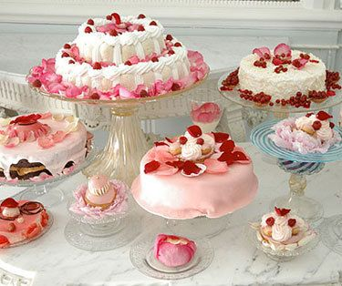 Marie Antionette desserts, they look so pretty and yummy!