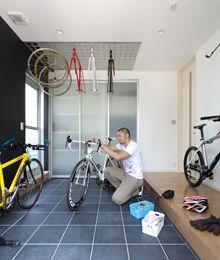 File071 自転車競技選手のご主人の夢を叶えた「土間玄関」がある家。-建築実例-注文住宅のアキュラホーム