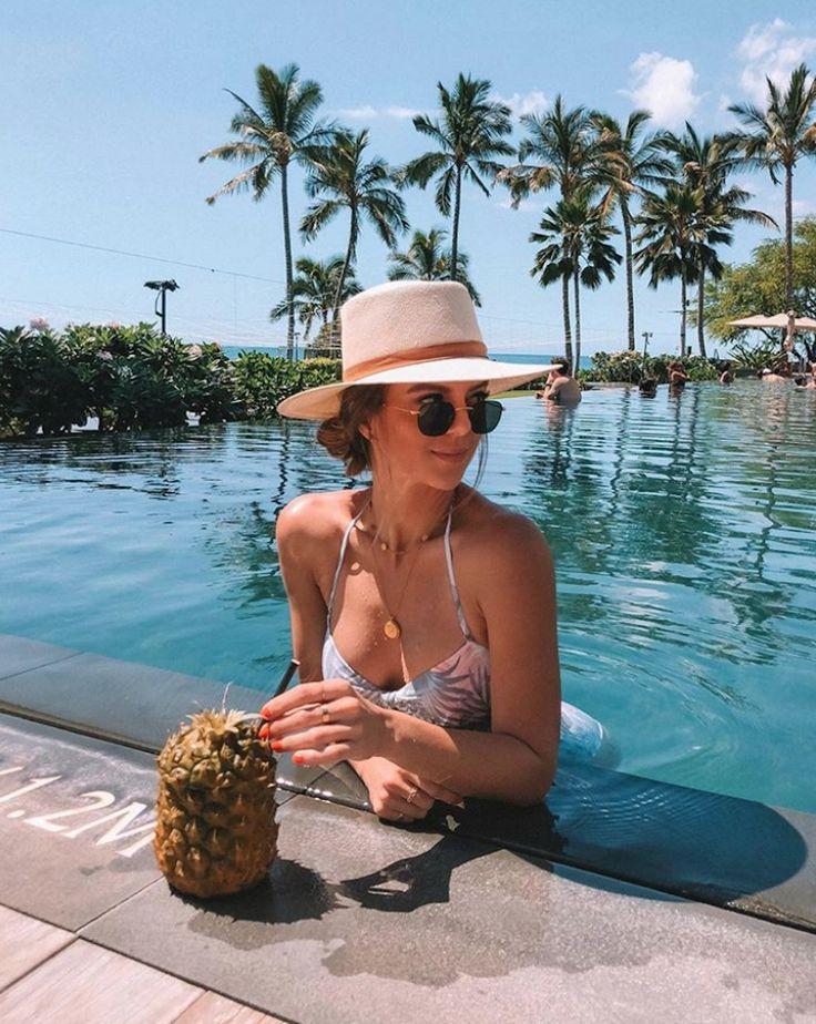 Pool look in Hawaii
