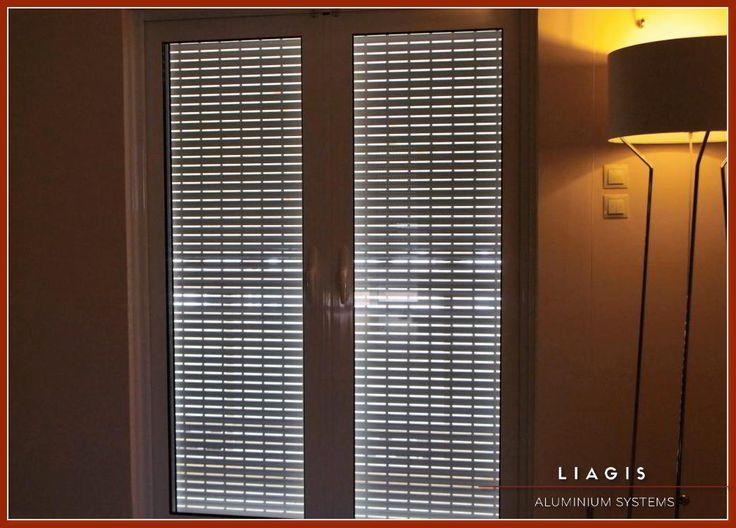 Ενεργειακή μπαλκονόπορτα με ρολό   Το Θερμομονωτικό σύστημα αλουμινίου Alousystem 350 inox καλύπτει τη σύγχρονη τάση για συρόμενες κατασκευές υψηλών προδιαγραφών. Δείτε Περισσότερα Εδώ: http://liagis.gr/ #Alousystem_Λιάγγης  #Alousystem_350_inox #Συρόμενα_Κουφώματα #Ενεργειακά_Κουφώματα_Αλουμινίου