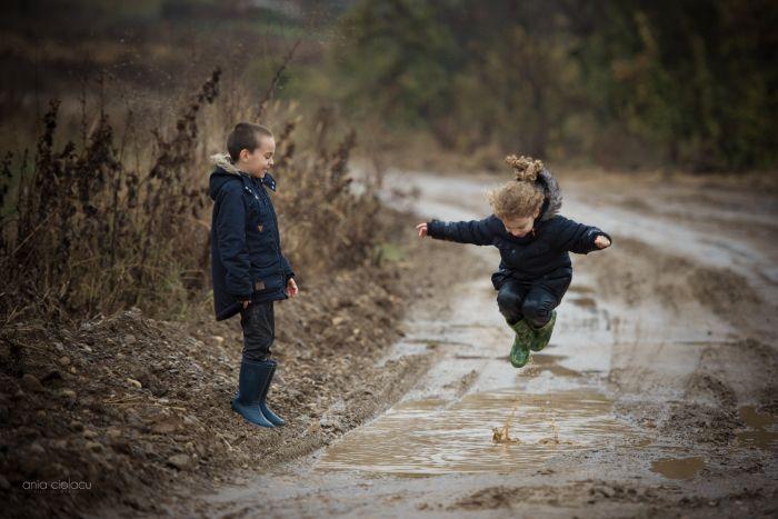 Copilaria... Iti mai amintesti cat de frumos era?   Fotografia utilizatorului Ania Ciolacu din categoria Fotografia de portret a fost realizata cu Nikon D750