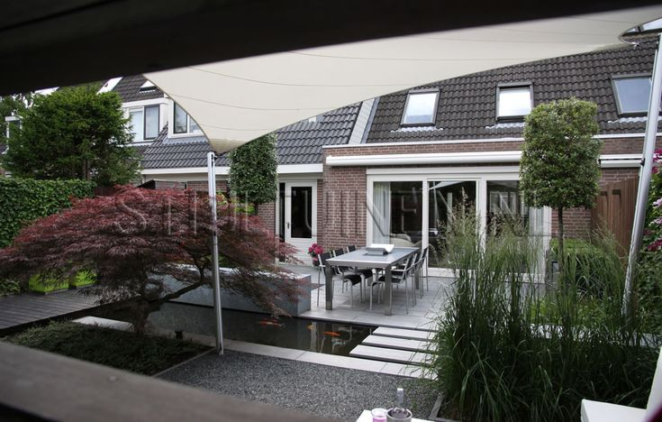 kijkruimte-muur-tuinontwerp-modern-strakke-tuin-japanse-esdoorn-rood-tuinontwerp-eigentijdse-tuin-ridderkerk-tuinontwerp-erik-van-gelder-stijltuinen-vanuit-tuin-naar-woning-foto-strakke-tuin-rotterdam.jpg 1.150×732 pixels