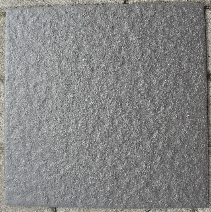 anti slip vloertegel 30x30 antislipwaarde R 11 structuur ideaal voor natte ruimtes badkamer, keuken antracietgrijs voor slechts € 15,75 per m2 www.venthome.nl geeft ook een nostaligsch effect bij juiste verwerking