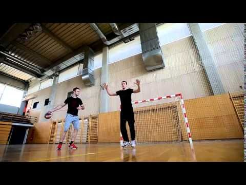 Handball goalkeeper training - YouTube