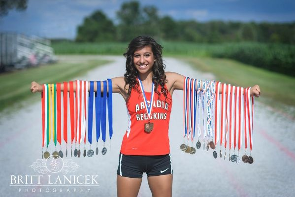 Senior Portrait / Photo / Picture Idea - Track - Girls - Medals