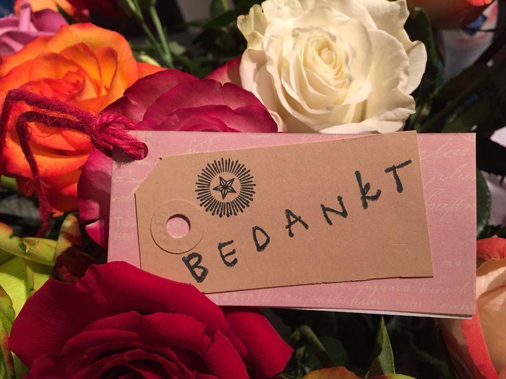 Handgemaakt kaartje 'bedankt' van Bloemenweelde-Amsterdam.nl