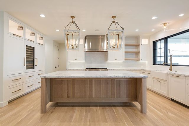 Best Love This Natural Wood Island White Cabinets Wood 400 x 300