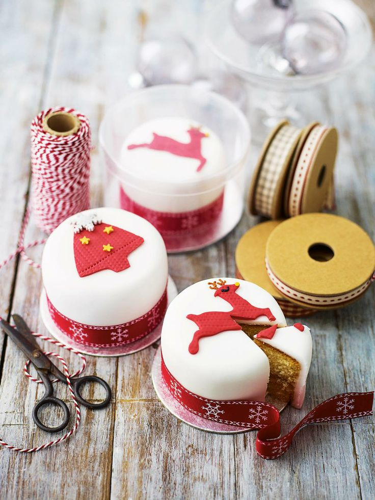 Mini Christmas cakes                                                                                                                                                                                 Mais