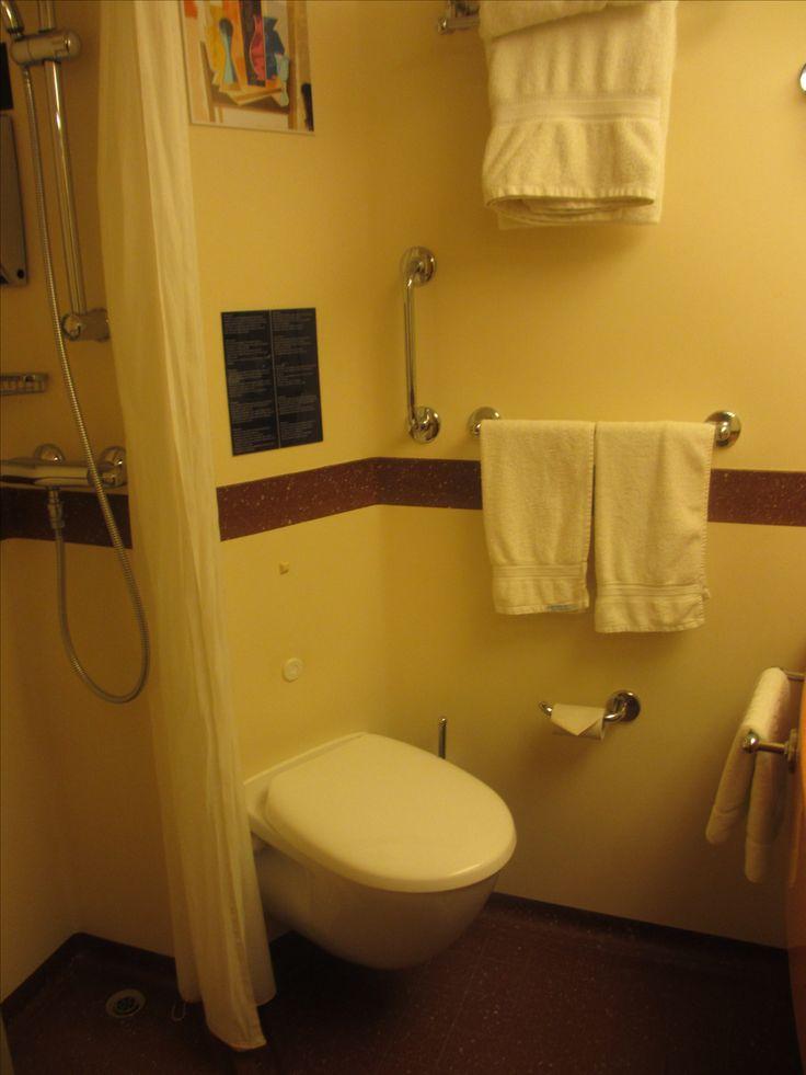 salle de bain cabine int rieure bord du costa diadema