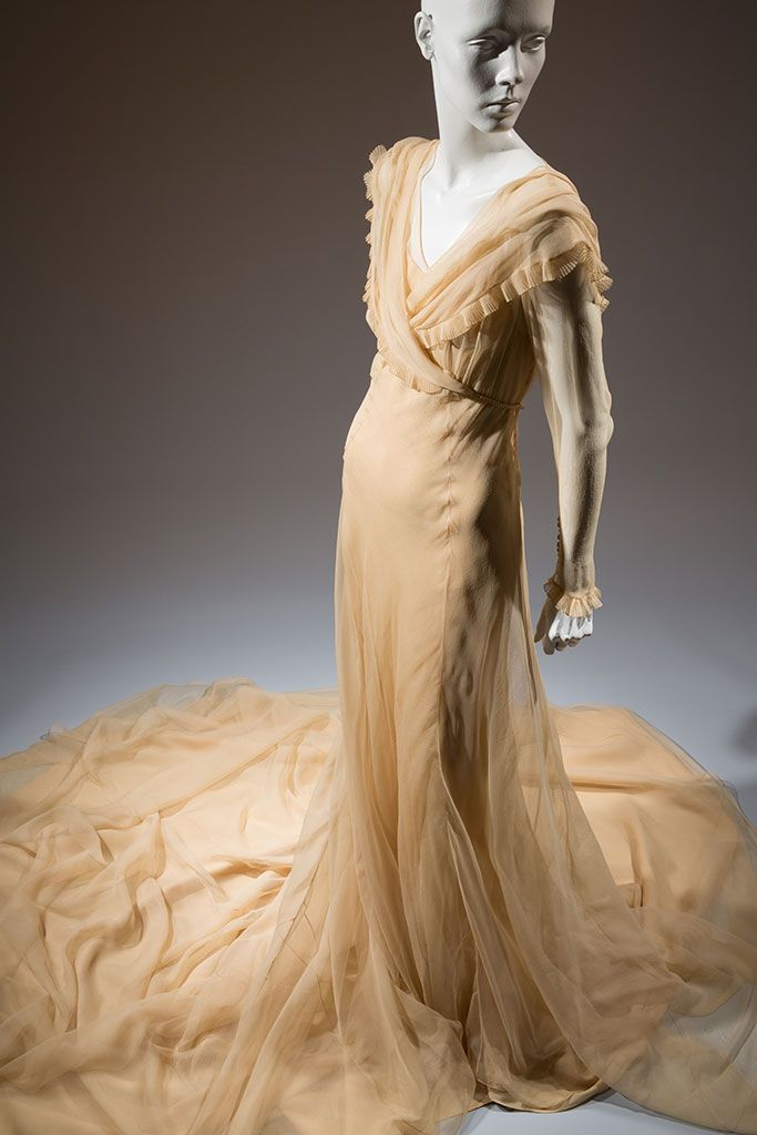 Ivory silk marquisette wedding gown, maker unknown, 1937, Paris, gift of Clifford Michel | copyright Eileen Costa