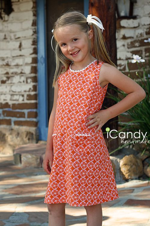 icandy handmade: (tutorial) Vintage May: Mod About You.  Solid Color w/ added collar and Its a uniform dress for my daughter