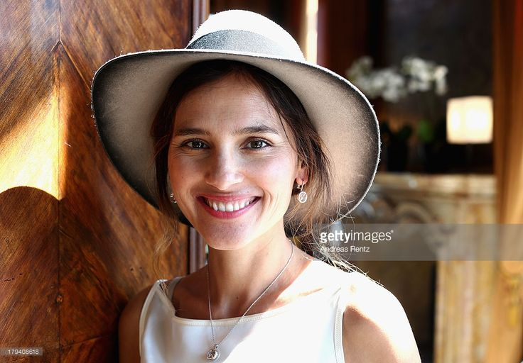 Photo d'actualité : Virginie Ledoyen attends Chopard Photocall during...