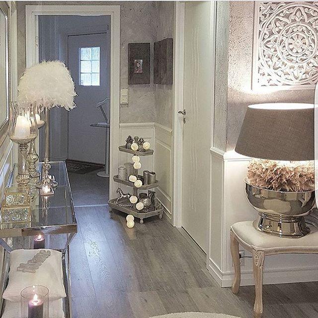 @hanas_home 💕 #passion4interior #interiør #luxury #homedetails #details #interiors  #dekor #decor #finahem #inspiration  #interiorstyled #norway #inspo #inspohome #onetofollow #photooftheday #interior4all #fine_hjem #the_real_houses_of_ig #picoftheday #interior2you #interior4you #livingroom #like4like #shabbychic #eleganceroom