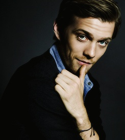 """Jake Abel. I have a celebrity crush it's you :P""- he is so lush on the host.. I love that film so much<3 ohemgee though jake<3"
