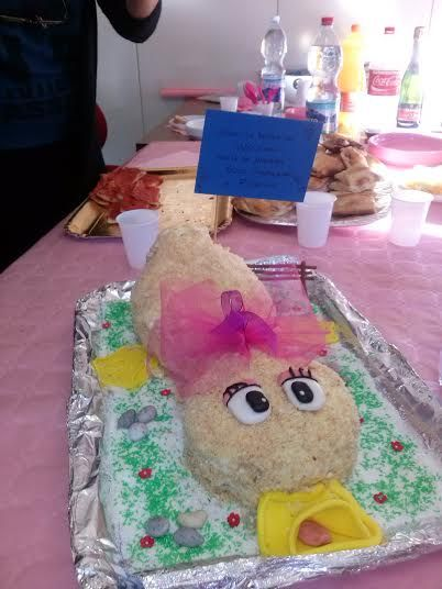 Duck shaped cake
