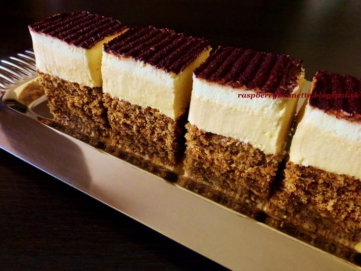 Raspberrybrunette: Orechovo - karamelový zákusok