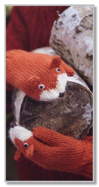 Вязание спицами. Двухцветные детские варежки с декором Лиса. Размеры: на 7-10 лет
