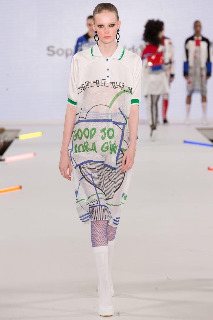 Sophie Maddocks - Manchester School of Art - Graduate Collection 2017. Feminism. Comic. Pop Art. London Graduate Fashion Week.