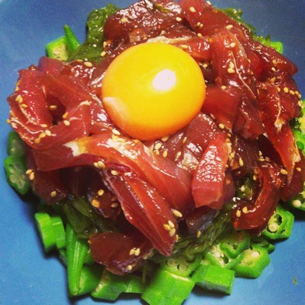 夏バテ防止!おくらとめかぶの マグロ漬け ユッケ レシピ