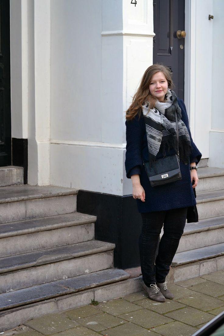 Winter vintage navy casual fashion blogger big scarf flats long hair curve plus size kiomi bag