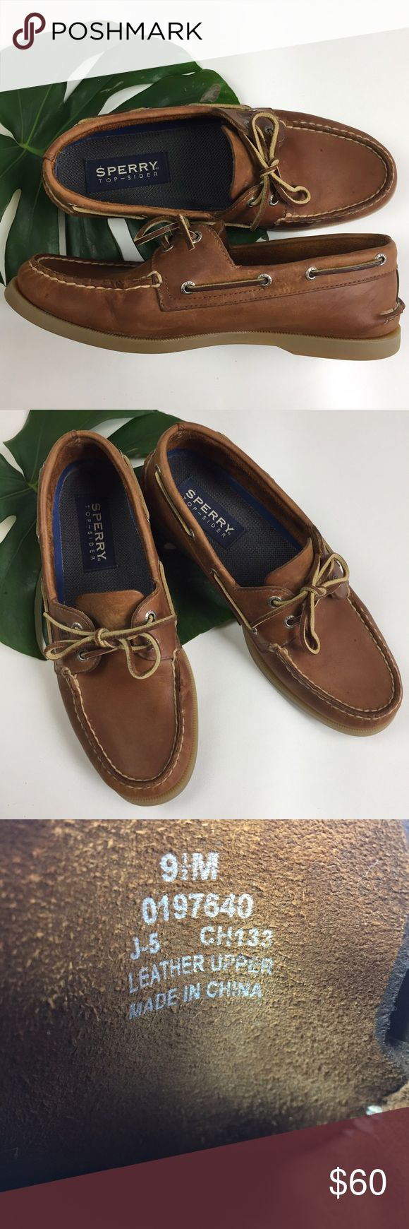 SPERRY // mens 9.5 TOP SIDER boat shoe leather SPERRY // mens 9.5 TOP SIDER boat shoe leather moccasins VERY GOOD Barely used condition Sperry Top-Sider Shoes Boat Shoes