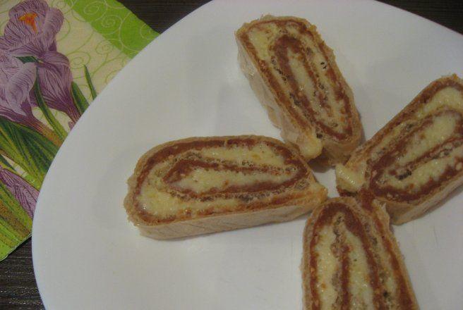 Retete Culinare - Rulada de napolitana cu nuca si nuca de cocos