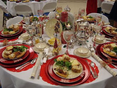 Tablescapes on pinterest banquet tables tablescapes and christmas