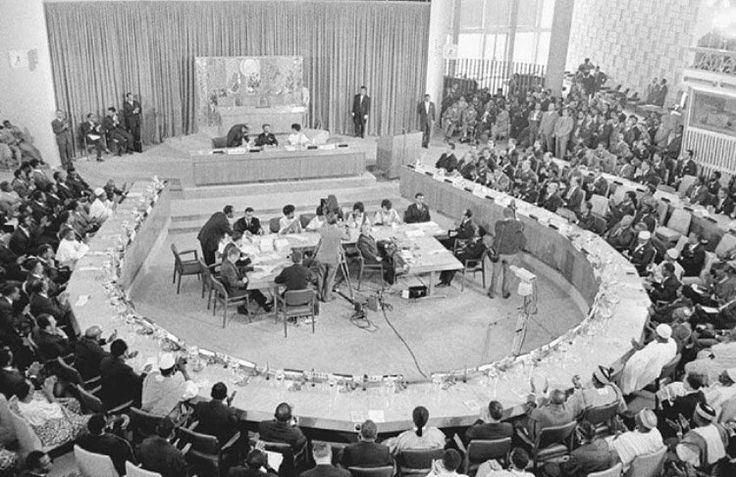 #AfricaDay 25 May 1963: The Organization of African Unity was established in Addis Abba. The OAU was founded with the eventual goal of a Union of African States. In 2002, the organization became the African Union and today has 54 member states. Pictured is the OAU Charter Conference in May 1963. The meeting concluded with the signing of a charter forming the Organization of African Unity. (📷Google) #OurHistoryOurStories #TheNanaProject #Africa #AfricaDay #AUDay #otd #onthisday #history…