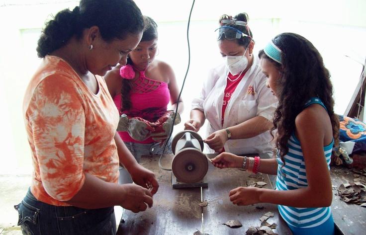 En Candelaria compartiendo vivencias.  Material de Cultura en los albergues /MinCultura2012