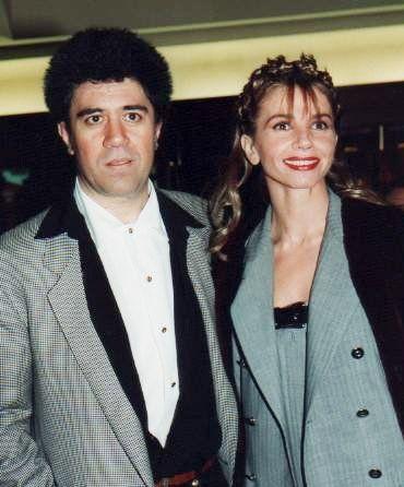 "Antes de Victoria Abril Cesár, Almodóvar colaboró con Carmen Maura, unas de sus actrices famosas. Él era famoso por su uso de ""muses"" o ""inspiradoras"""