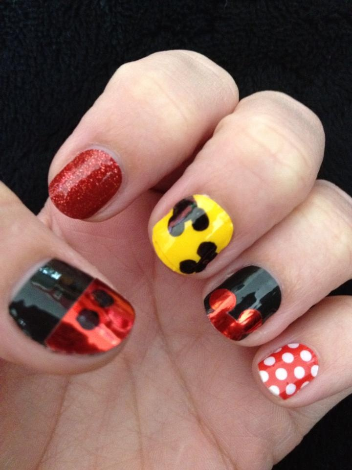 Disney Manicure  sarara.jaberrynails.net