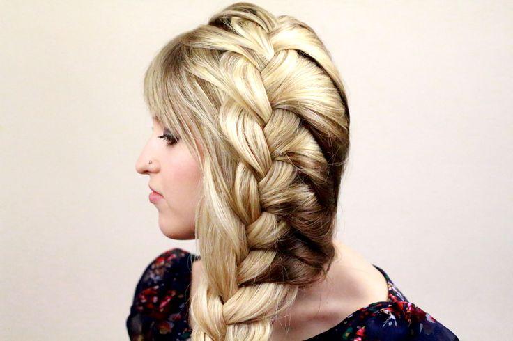 Свободная французская коса на одну сторону. French braid on one head side