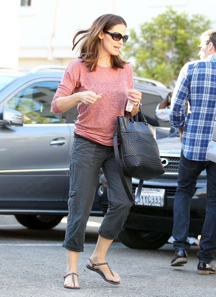 "Casual, but pulled together Jennifer Garner.  Love her ""mommy style""."