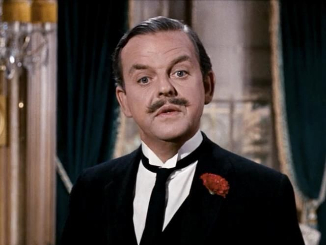 David Tomlinson (Mr. Banks) An actor with two decades of films under his belt, Tomlinson portrayal of the dismissive and uppity man of the Banks household is that of a typical turn-of-the-Century gentleman - dismissive of pretty much everyone around him, and the target of Mary Poppins' mission to save the Banks children.